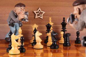Pers bij schaken. Bron: Pixabay 3-12-2020